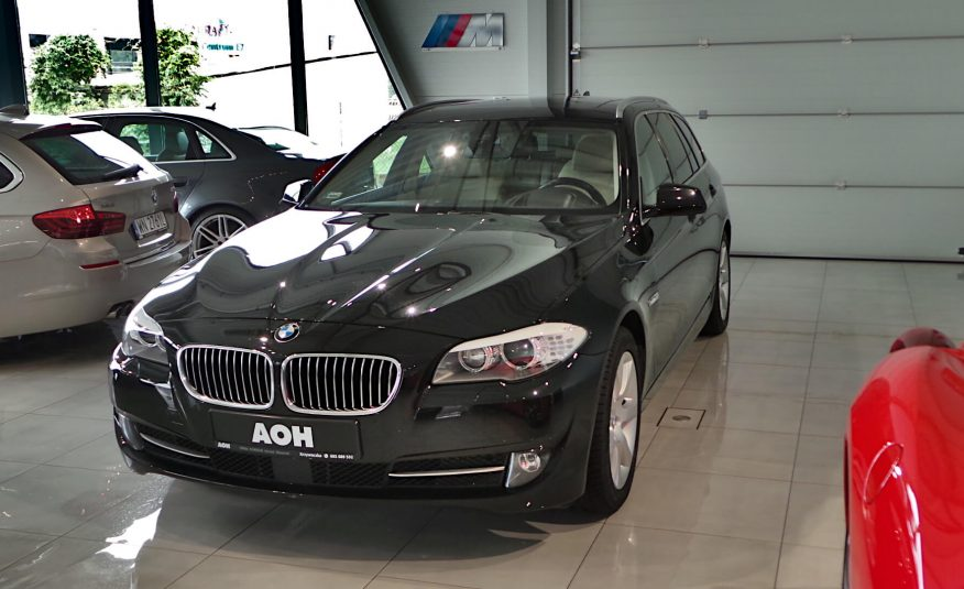BMW 525d xDRIVE 218 KM Touring